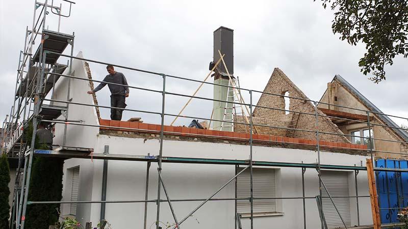 Dachdecker Bolzenius Spenglerarbeiten Dacheindeckung Spitzdach